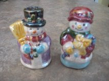 ADORABLE SNOW MAN AND WOMAN SALT AND PEPPER in Morris, Illinois