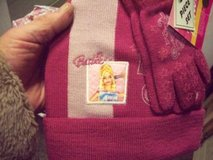 2pc Barbie PINK 2 toned Knit Hat & Gloves Set NWT in Chicago, Illinois
